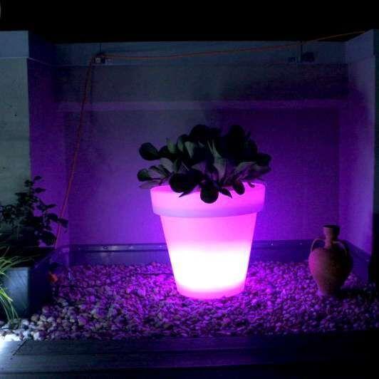 Beleuchteter-LED-Blumentopf-groß