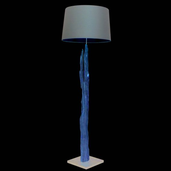 Stehlampe-Aranya-mit-braunem-Schirm-gebleicht