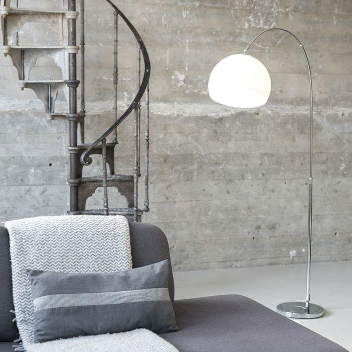 Moderne-Bogenlampe-Chrom-mit-weißem-Schirm---Arc-Basic