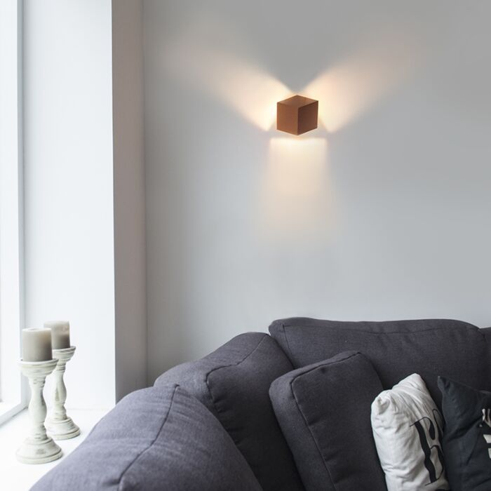 Moderne-Wandleuchte-Kupfer---Cube