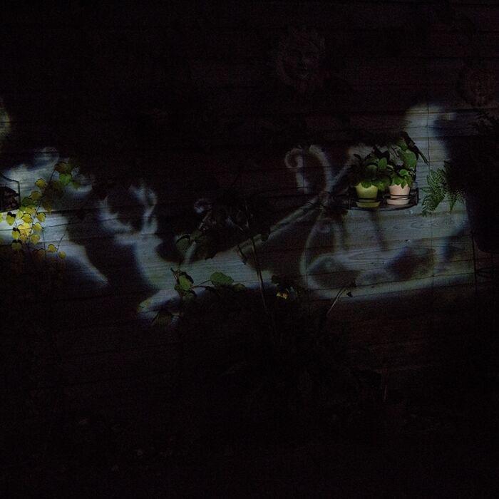 Weihnachtsbeleuchtung-Laserprojektor-LED-weiß-Weihnachtsmann-mit-Schlitten