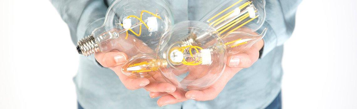 Verschiedene Sockel Typen Lampenundleuchten At